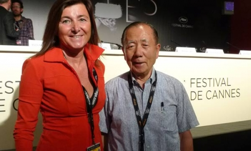 Laura Damiola con Kim Dong-ho  a Cannes