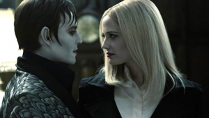 """Dark Shadows"": vampiri in gran forma. Recensione. Trailer"