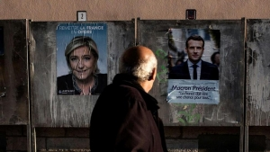 Francia,  scontro all'ultimo sangue tra Le Pen e Macron