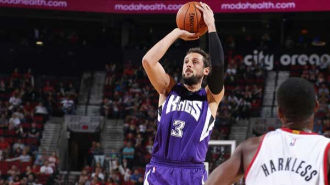 Basket: Nba. Belinelli in forma con 21 punti e i Kings vincono