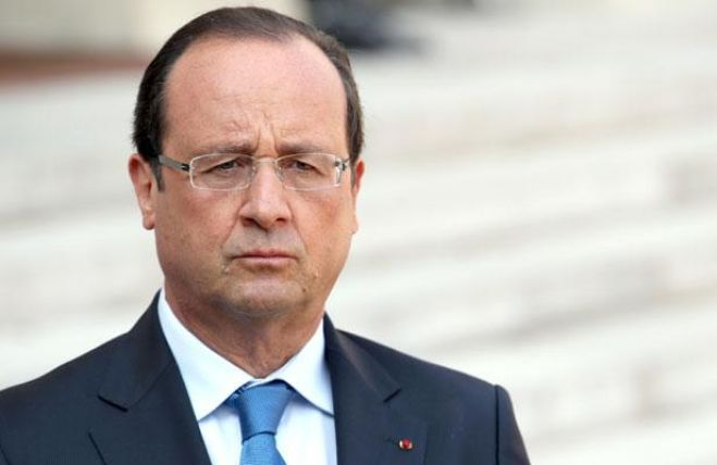 Hollande dichiara guerra all'Isis