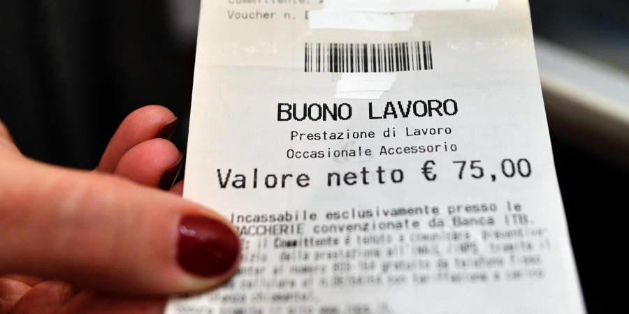 No ai voucher: presidio Cgil a Firenze
