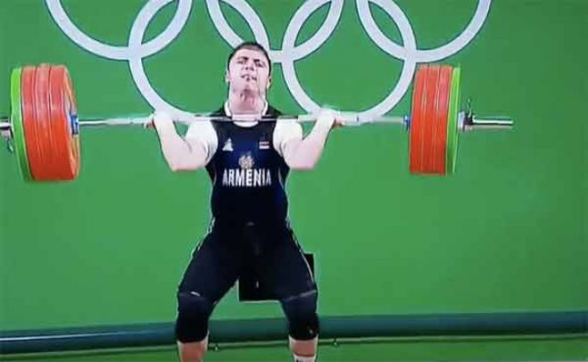 Rio 2016. Incidente per il sollevatore di pesi armeno Andranik Karapetyan. IL VIDEO SHOCK