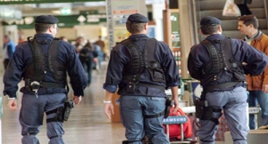 Scappa all'estero dopo la condanna. Arrestato all'aeroporto