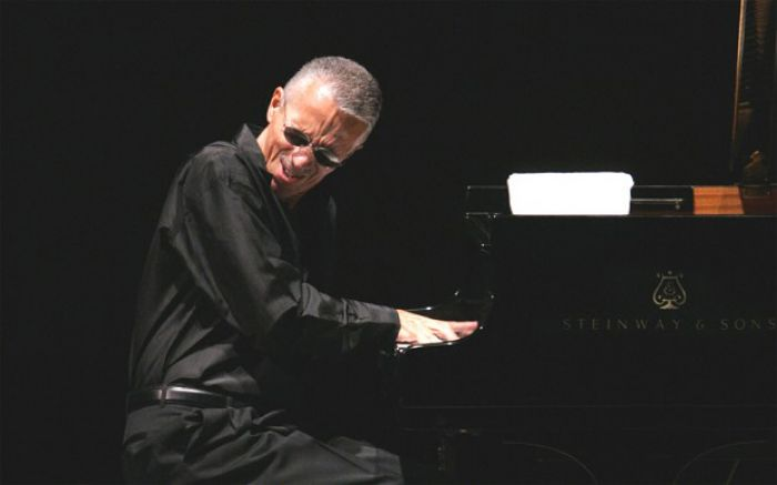 Keith Jarrett  a Napoli per l'unica data italiana del suo tour