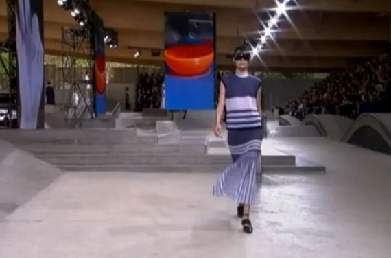 Moda. In passerella la Parigi surrealista. IL VIDEO
