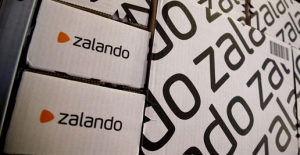 "Zalando, esordio in Borsa senza ""botto"" per il gigante dell'e-commerce. IL VIDEO"